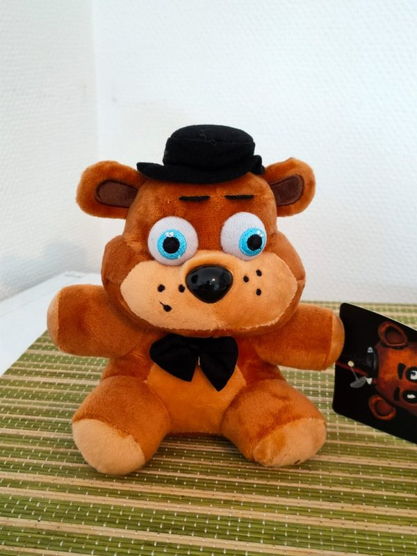 Five Nights at Freddys Freddy Plüsch 18 cm